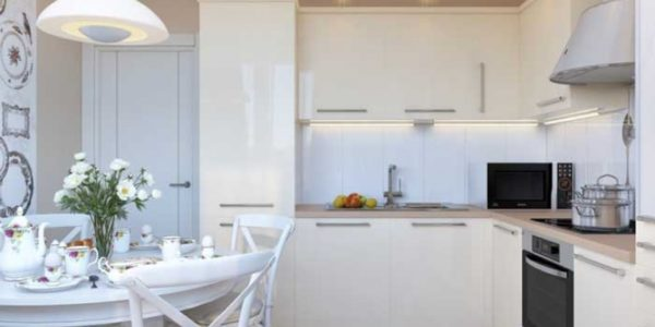 Bucatarie cu mobilier alb