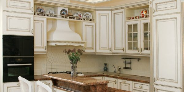Bucatarie cu mobilier elegant
