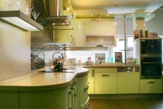 Bucatarie cu mobilier verde masliniu