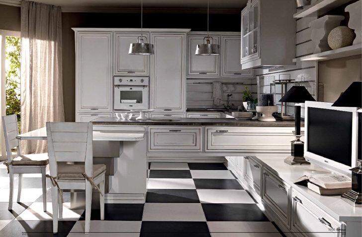 Bucatarie neoclasica cu mobilier alb