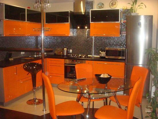 Design modern negru portocaliu bucatarie