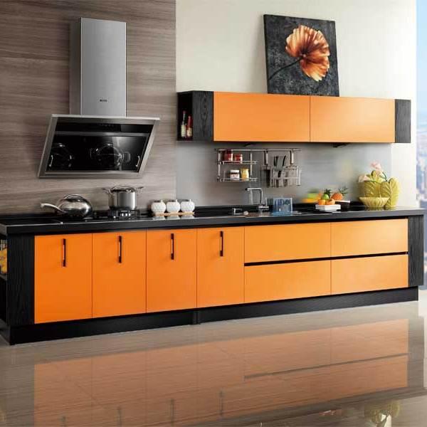 Design negru portocaliu bucatarie