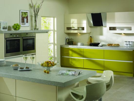 Design verde masliniu bucatarie