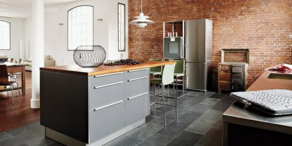 Amenajare industriala bucatarie cu dining