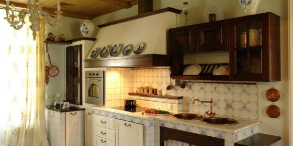 Bucatarie casa cu decor mediteranean