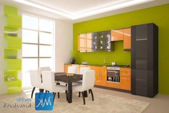 Bucatarie cu decor verde-portocaliu
