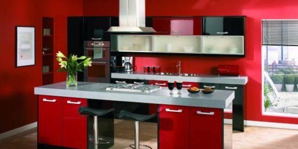 Bucatarie cu design rosu-negru