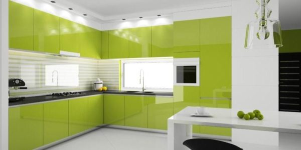 Bucatarie eleganta cu design alb-verde