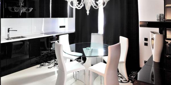 Decor alb-negru bucatarie eleganta