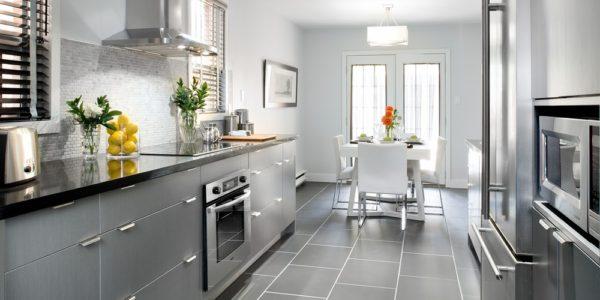 Decor elegant alb gri pentru bucatarie