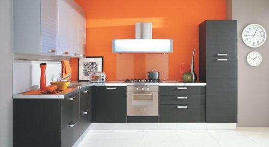 Decor gri portocaliu bucatarie