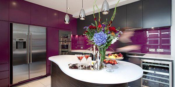 Decor gri violet bucatarie