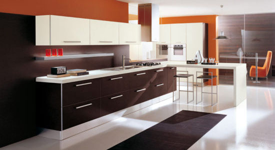 Decor portocaliu bucatarie moderna