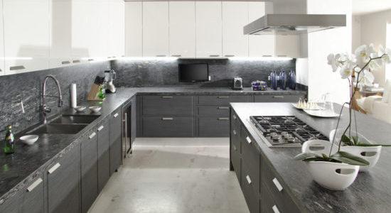 Design alb-gri bucatarie moderna