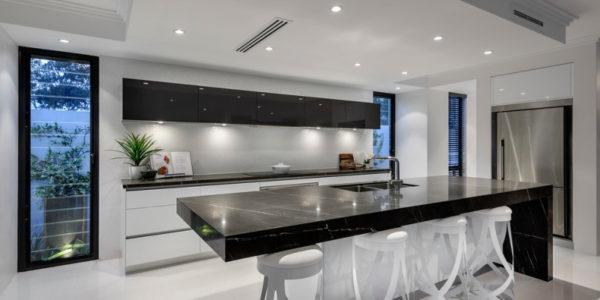 Design alb negru bucatarie moderna