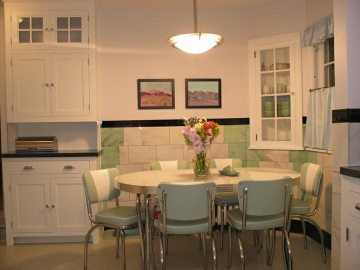 Design vintage bucatarie cu dining