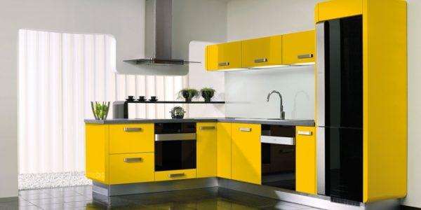 Mobilier galben-negru bucatarie