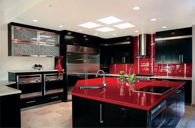 Mobilier rosu-negru bucatarie
