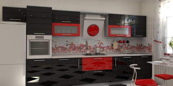 Mobilier rosu-negru lucios in bucatarie