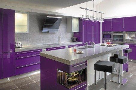 Mobilier violet bucatarie