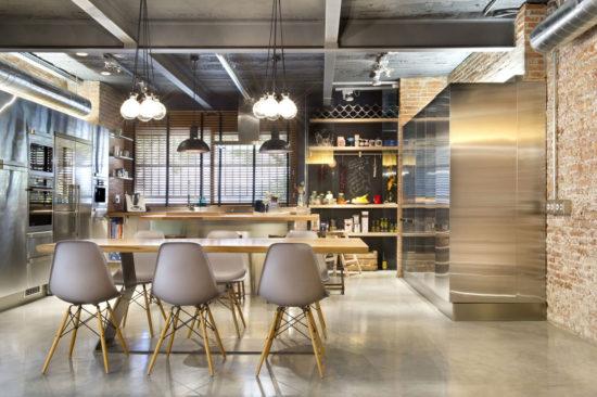 Open space cu decor industrial
