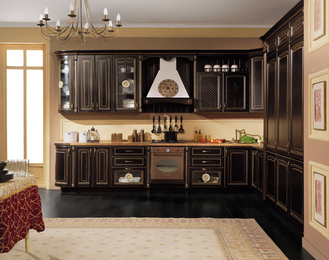 Bucatarie clasica cu mobilier wenge