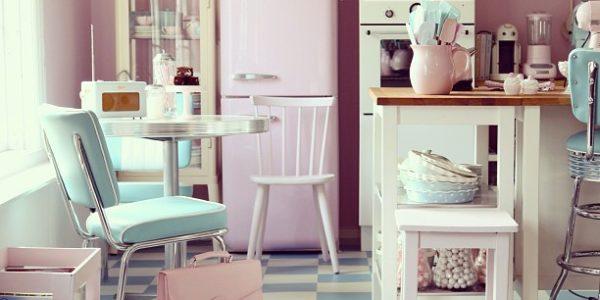 Bucatarie cu decor roz