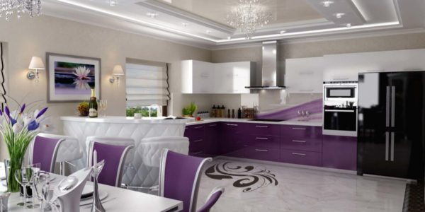 Bucatarie deschisa cu decor violet aubergine