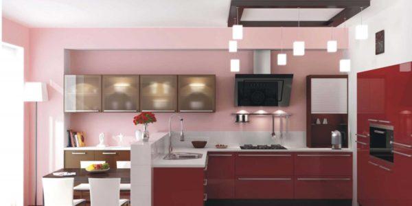 Bucatarie mare cu decor roz