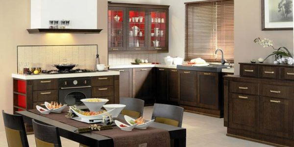 Bucatarie mare cu mobilier wenge