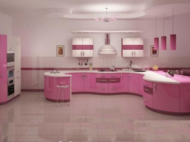 Bucatarie moderna pe curb culoare roz lucios