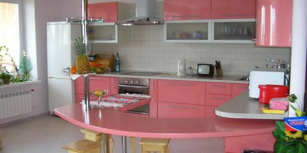 Decor alb-roz bucatarie
