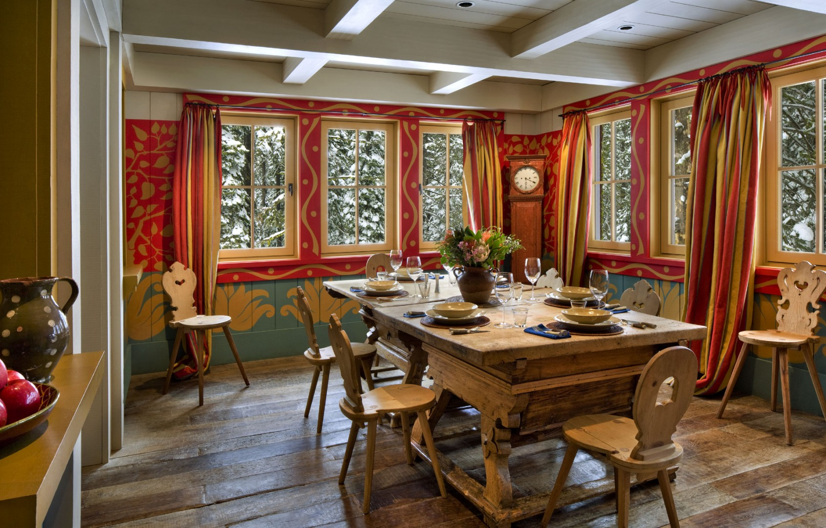Dining cu decor rustic