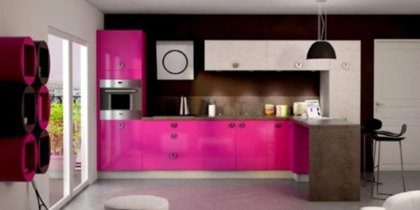 Mobilier fucsia bucatarie mare