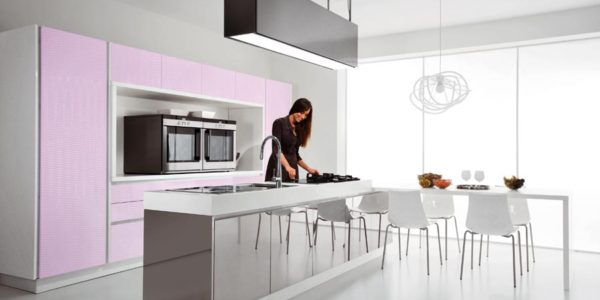 Mobilier roz bucatarie exclusivista